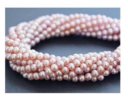 Collar de perlas semi esféricas Malva suave