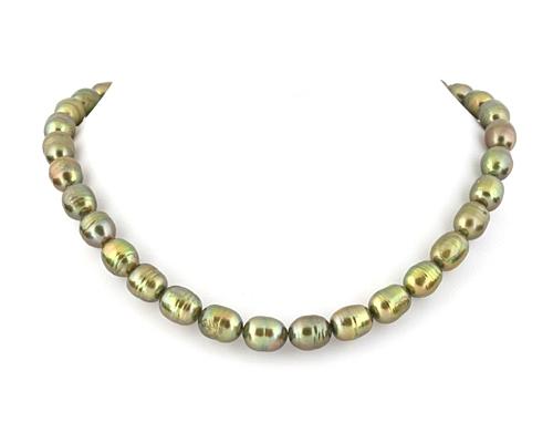 Collar de perlas ovales verdes