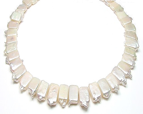 Collar de perla rectangular blanca
