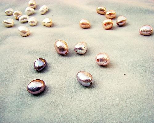 Perlas barrocas con taladro completo de 2mm. - Gris plata
