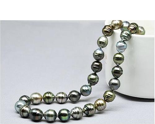 Collar de perla Tahití barroca en diferentes tonos naturales