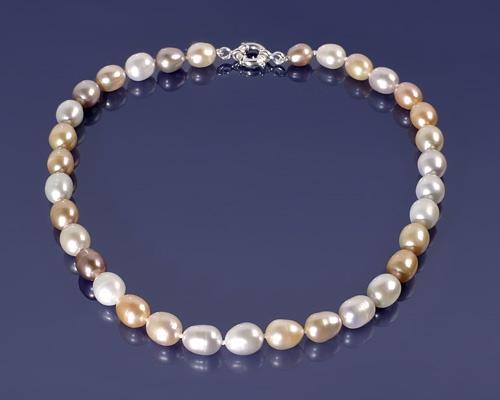 Collar de Perla oval multicolor con Reasón en Oro blanco de 12mm.