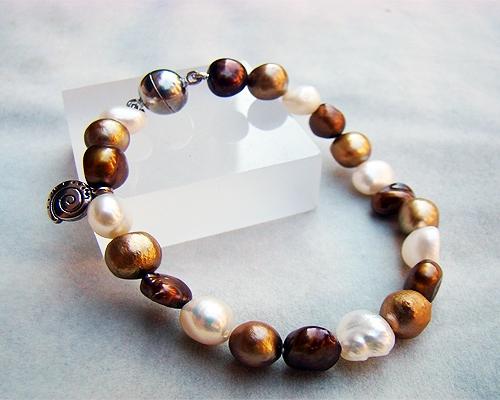 Pulsera de Perla cultivada 8-10mm. en tonos marrones