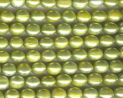 Collar de perlas ovales. Verde