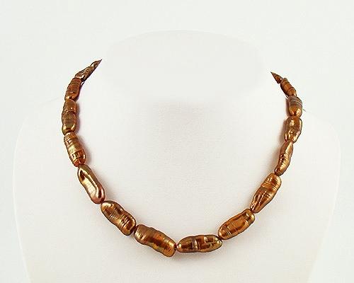 Collar de perlas Biwa chocolate