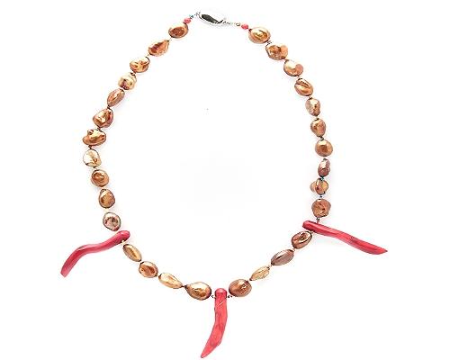 Collar Perla cultivada irregular, Coral y cierre de Plata de 925ml.