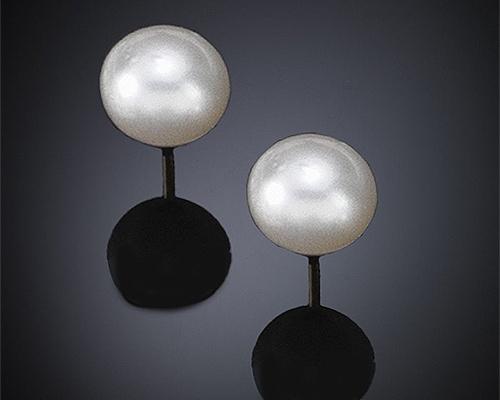Perlas Australianas esféricas 10,5-11mm. Pendientes en oro blanco o amarillo 18 ktes