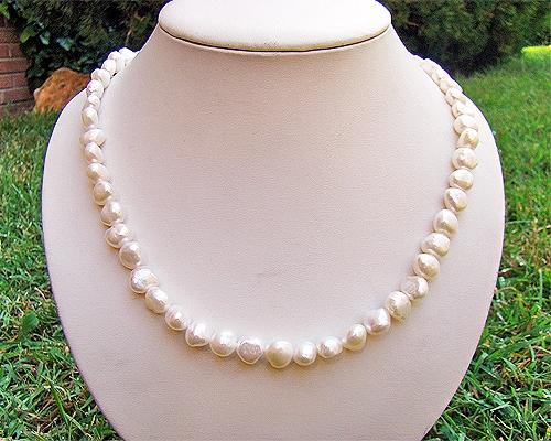 Collar de perla patata blanca