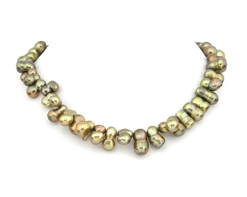 Collar de perlas barrocas verdes