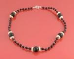 Collar de Lava, Perlas, Coral blanco y Plata