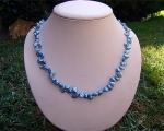 Collar de perlas Keshi zig-zag celeste