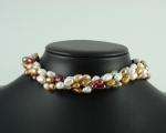 Collar extra largo enfilado con nudos entre perlas. - Barrocas grises