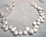 Collar de perla disco en zig-zag. Blanca