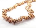 Collar de perlas Keshi doradas