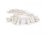 Collar de perlas Biwa blanca