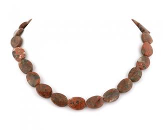 Collar de jaspe Rojo oval