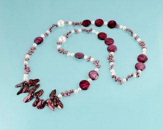 Collar en Perla cultivada, shelll y Nacar