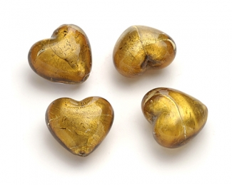 Piezas en corazones de cristal