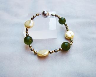 Pulsera de Perlas cultivadas y Cuarzo verde