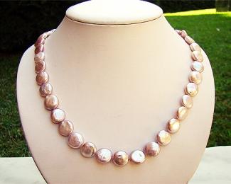 Collar de perlas Coin malva