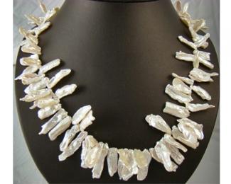 Collar de perla Keshi blanca