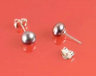 Pendientes de Perla botón gris 7-8mm. En plata