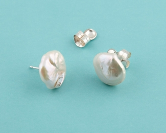 Pendientes de Perla AAA disco irregular 15mm. aprox. En plata 925ml.
