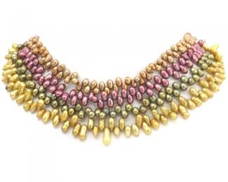 Collar de perlas ovales en zig-zag