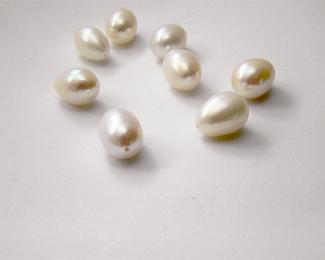 Perla oval blanca