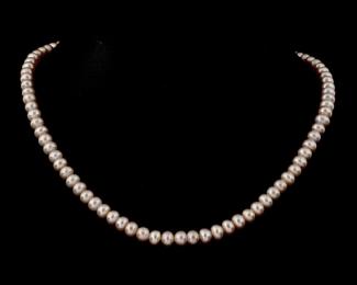 Collar de perlas botón rosas
