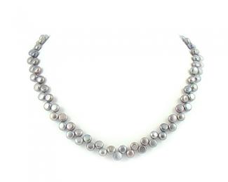 Collar de perlas zig-zag botón grises