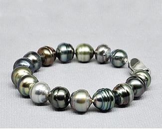 Pulsera de perla Tahití barroca en diferentes tonos naturales