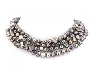 Collar extra largo enfilado con nudos de perla patata gris