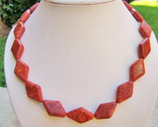 Collar de coral Esponja en rombo