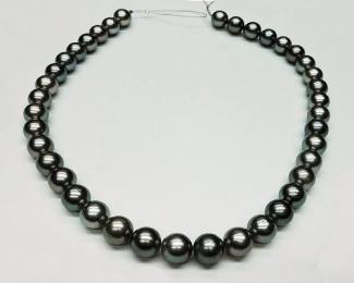 Collar de 39 perlas Tahití esférica gris